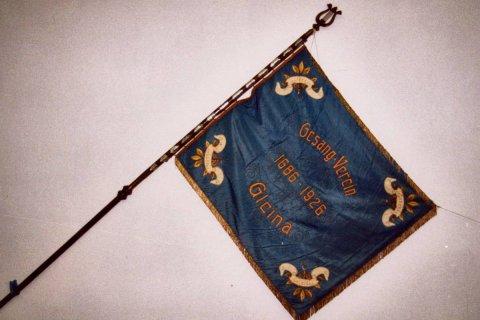 Historische Chorfahne (Rückseite). Chorfahne von 1926
